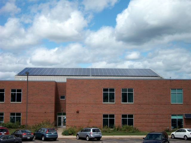 Oregon school district solar panels
